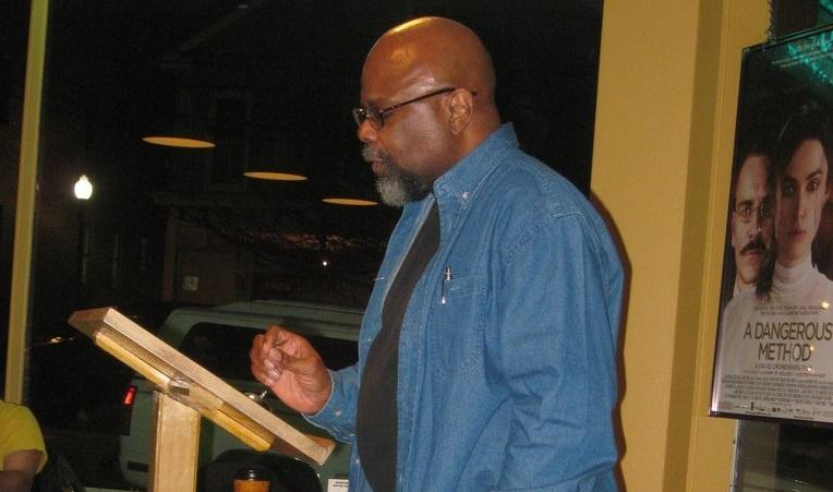 Award-winning poet, Le Hinton will be reading his works on Feb. 19 im HUM 112.