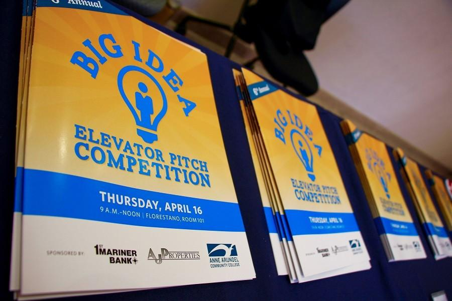 A riveting contest, the Elevator Pitch Competition, went down on Thursday April 26. Each competitor had only 2 minutes to pitch an entire business plan to the judges in hopes of winning a $750 Scholarship.