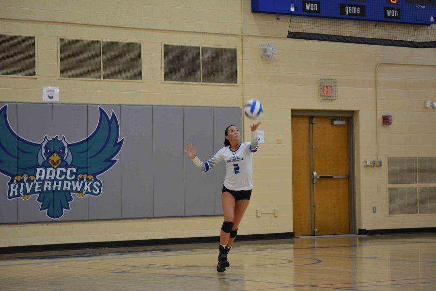 AACC Women's Volleyball outside hitter Nicolette Powell sets up for a serve.