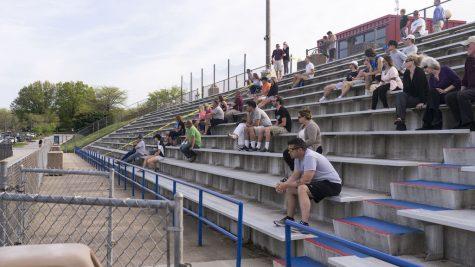 Sports events draw few fans