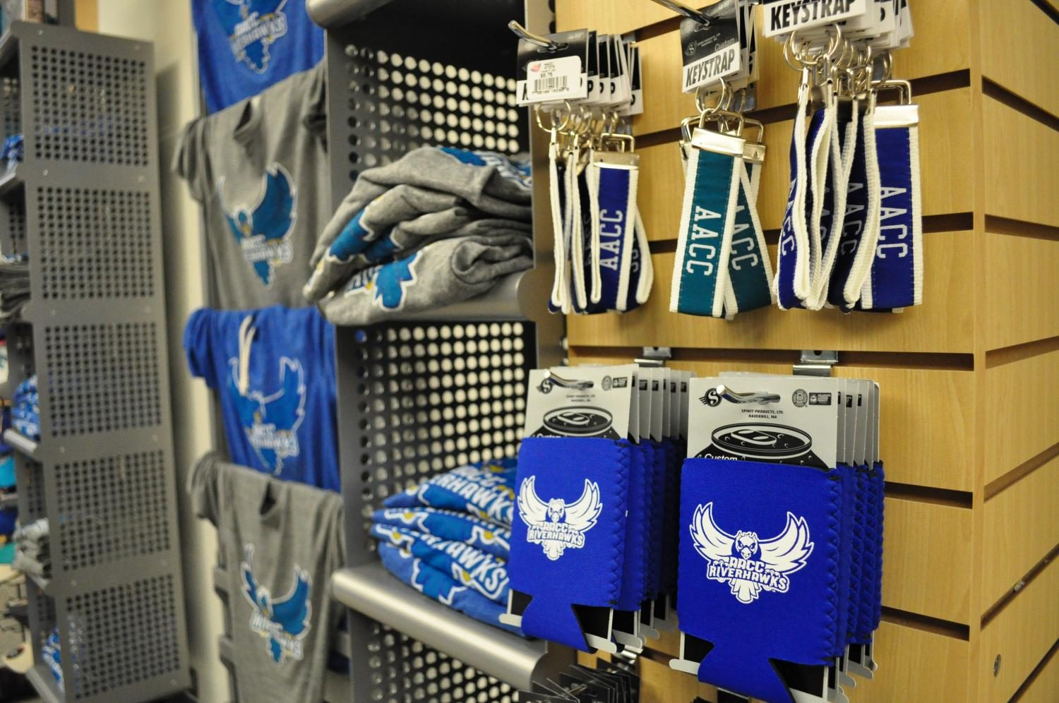 The+AACC+bookstore+sells+multiple+Riverhawks+products+that+encourage+school+pride.