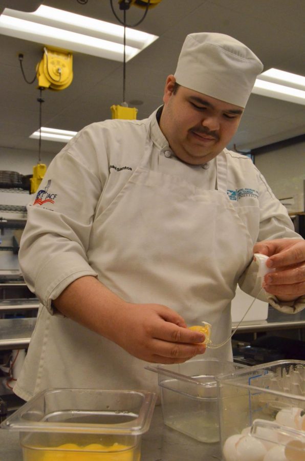 Culinary student Michael Santos says students who bring appetizers, side dishes and desserts to a Thanksgiving dinner should choose simple recipes that don't need reheating.