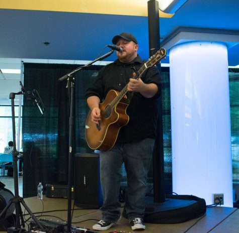 One-man band comes to AACC