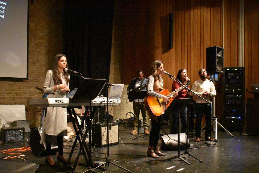 CCO AACC hosts worship night