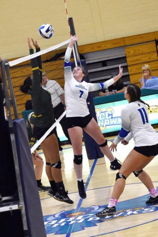 Womens VBall finishes season with single win