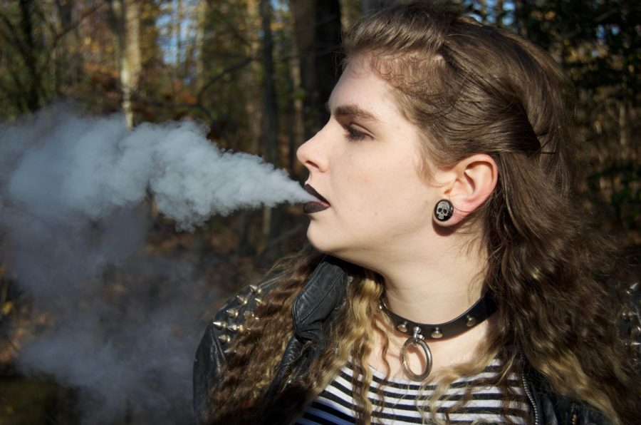 According+to+a+2016+survey+by+the+Centers+for+Disease+Control%2C+9+million+college-aged+students+use+e-cigarettes.%0APhoto+by+Brandon+Hamilton