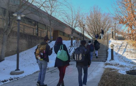 College opens late on 1st day