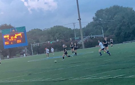 Women's Soccer plays alumni in home scrimmage