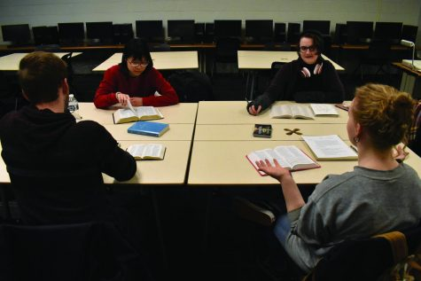 Religious clubs meet for prayer, Bible study