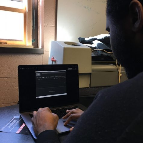 Game Development Student Designs Virtual Sets for R&J