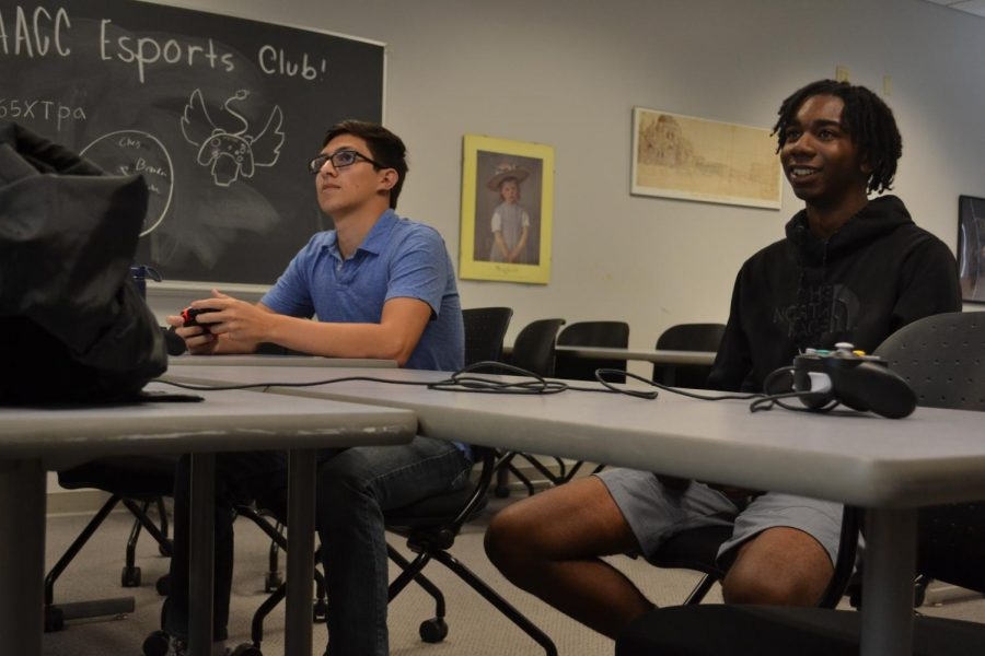 Second-year wildlife and fisheries student Brandon Gebhardt (left) and first-year transfer studies student Luke Bennett were among the attendees to this semesters first Esports club meeting.