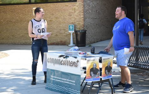 Students hold publicity blitz for upcoming event