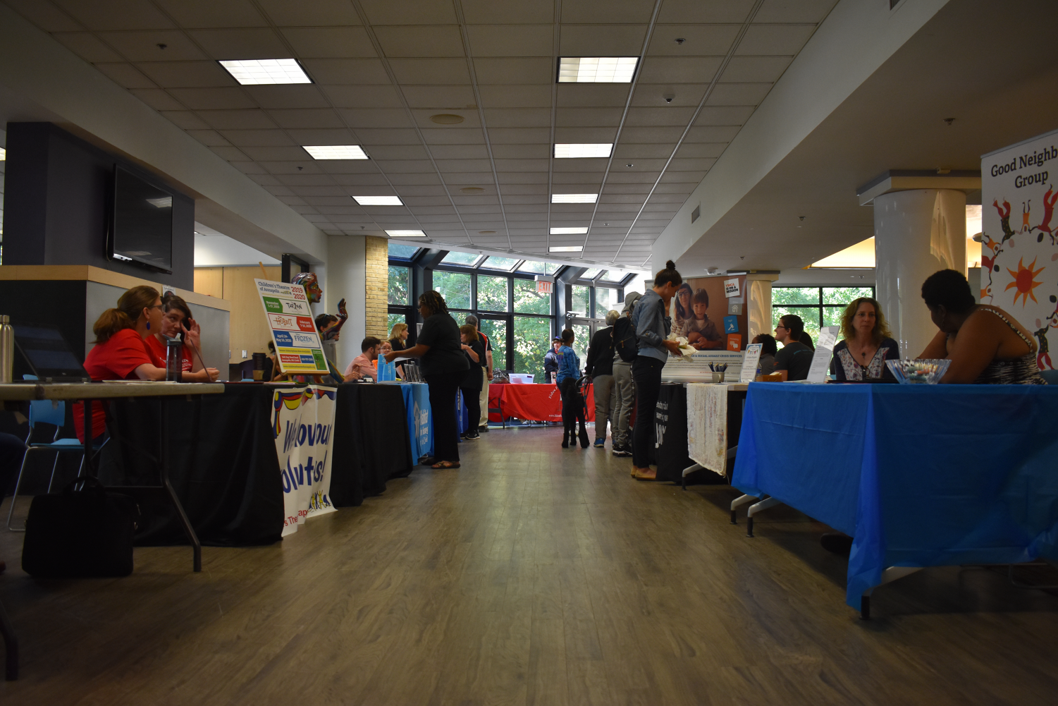 AACC%27s+Community+Service+Fair+is+held+ever+semester.+