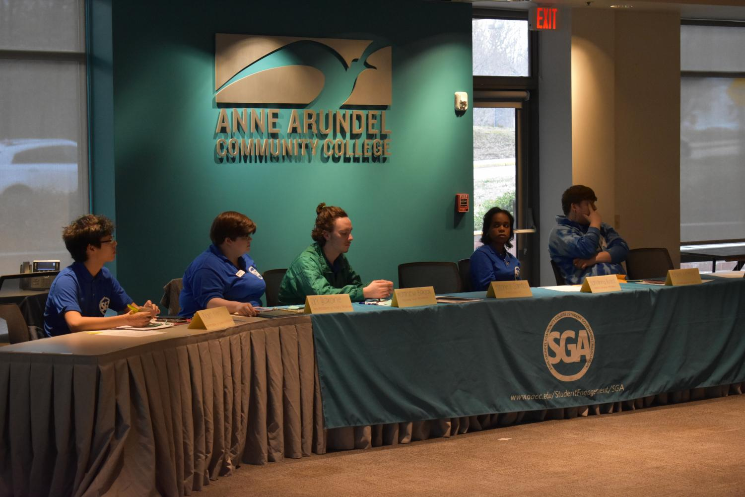 SGA committee members respond to questions.