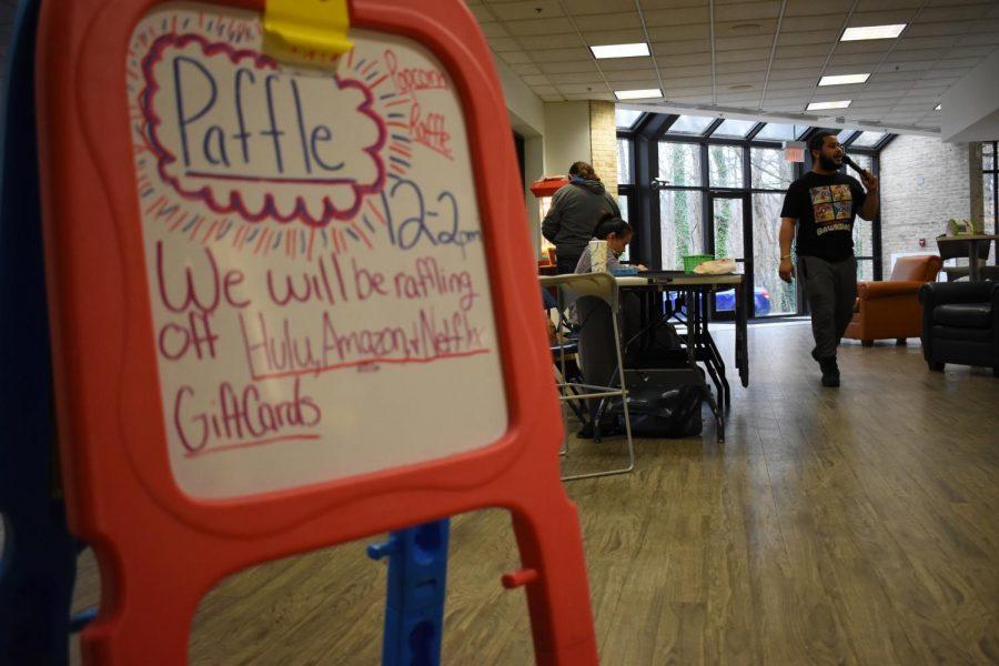 CAB+social+media+chair+Alex+Sawyer+hosts+the+SGA+Paffle.